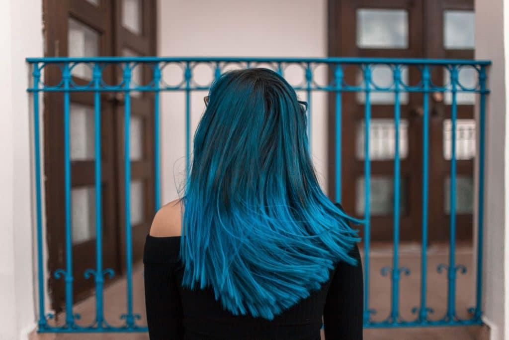 coiffeuse villefranche cheveux bleus